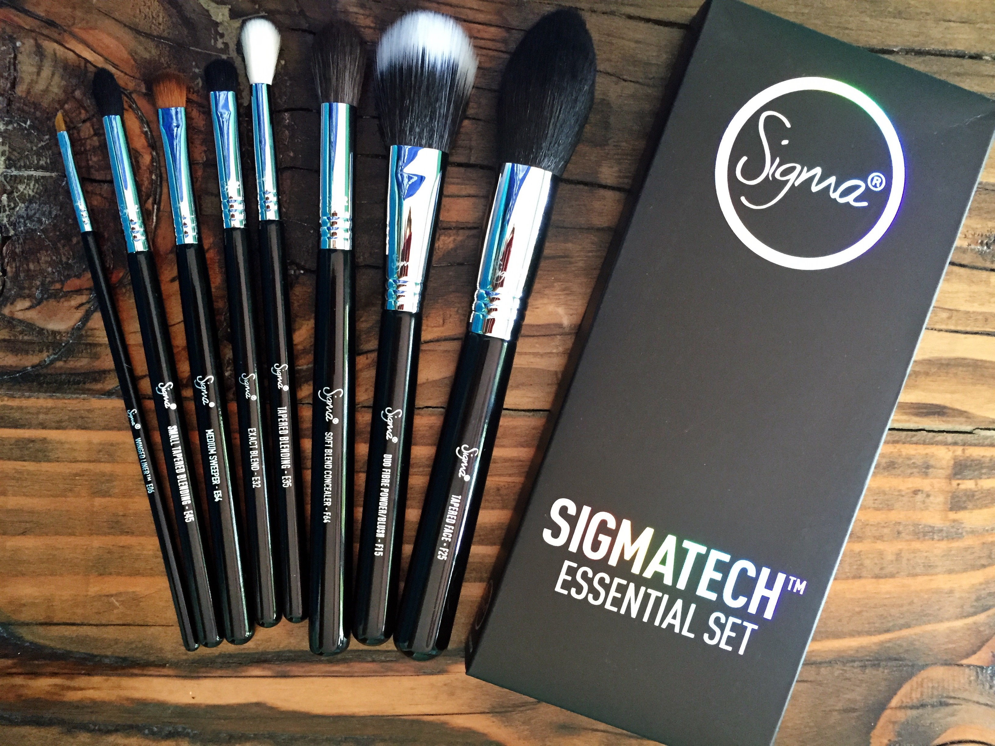 New Sigma Beauty SigmaTech Brushes – Essential Set *Cruelty